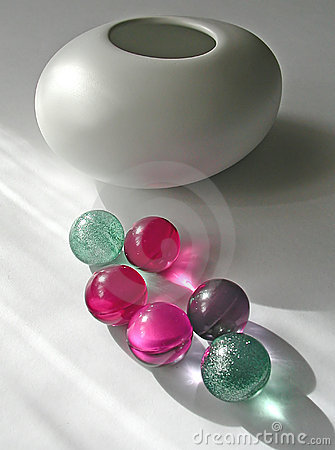 Bath marbles with vase