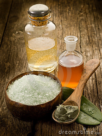 Free Bath Minerals Mud And Oil Stock Images - 19642414