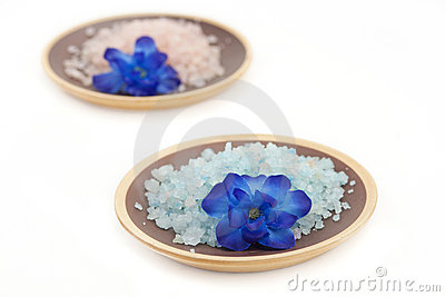 Bath salt with flower