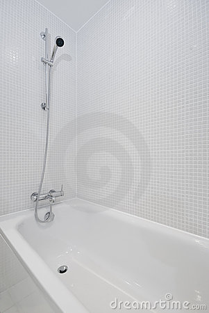 Free Bath With Shower Attachment Royalty Free Stock Photography - 11575167