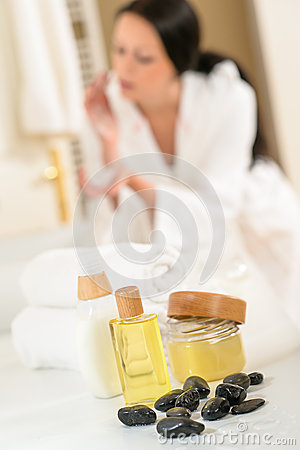 Free Bathroom Body Care Products And Towels Close-up Stock Photo - 26370710