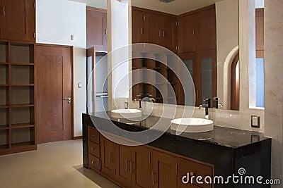 Bathroom dresser