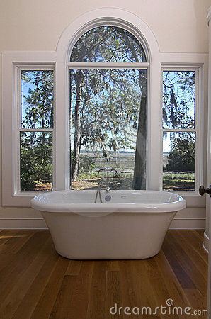 Free Bathtub With A View Stock Image - 2016181
