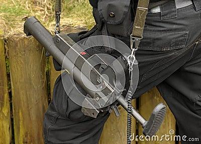 Batuty pistoletu pacnięcie
