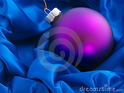 Bauble in cloth