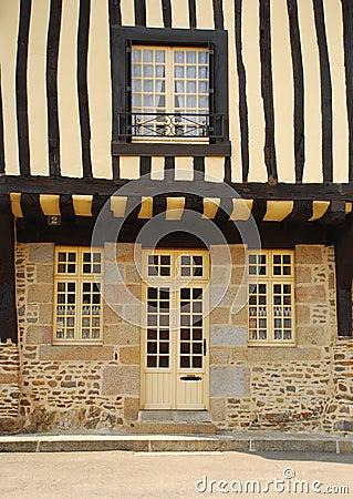 Bauholzgehäuse. Fougères, Bretagne, Frankreich