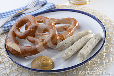 Bavarian sausages with pretzels