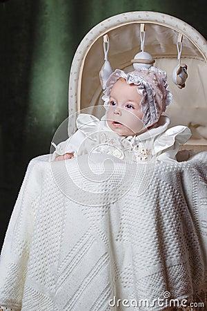 Bébé dans le berceau