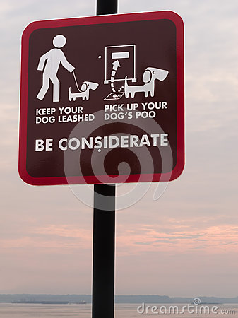 Free Be Considerate Sign Royalty Free Stock Photography - 33468897