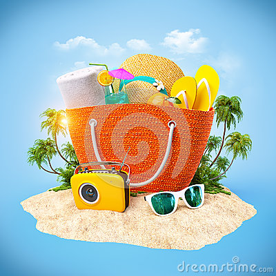 Free Beach Bag Royalty Free Stock Images - 39360989
