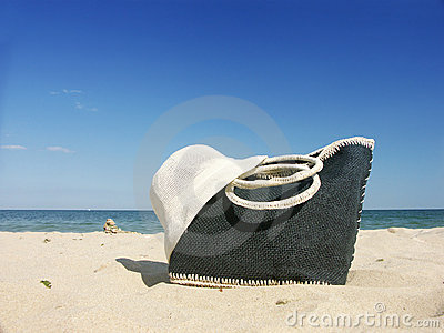 Beach bag and straw hat