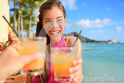 https://thumbs.dreamstime.com/x/beach-bar-party-drinking-friends-toasting-cocktail-hawaiian-sunset-cocktails-having-fun-asian-woman-looking-camera-holding-51169974.jpg
