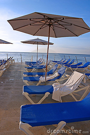 Free Beach Chairs Royalty Free Stock Photos - 280828