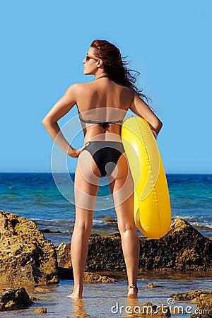 Free Beach Girl Enjoying Freetime At Seashore. Summerti Stock Images - 38953324
