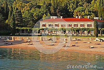 Beach holiday villa(Italy)