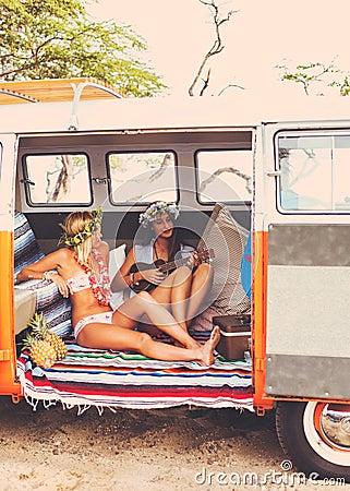 Free Beach Lifestyle Surfer Girls In Vintage Surf Van Royalty Free Stock Images - 55122549