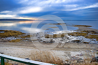 Beach and low tide on Penobscot Bay
