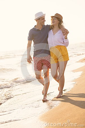 Free Beach Of Summer Time And Two Lovers Royalty Free Stock Photo - 122348875