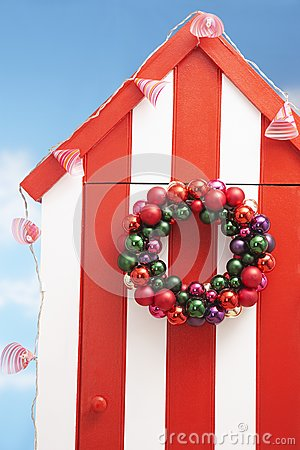 Free Beach Storage Cabin With Christmas Decoration On Door Royalty Free Stock Images - 30846809