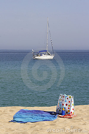 Beach towel and bag with yacht