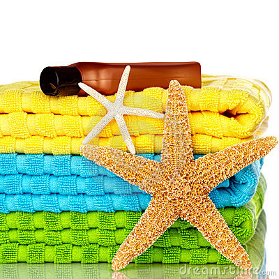Free Beach Towels With Starfish And Sunscreen Stock Photos - 11854183
