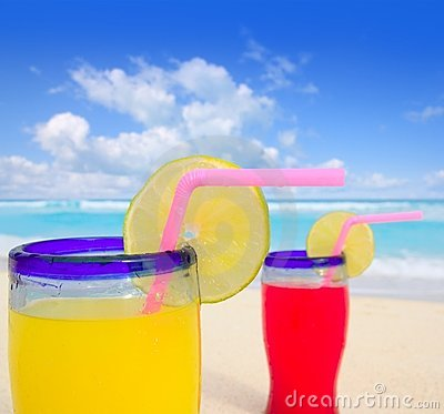 Beach tropical cocktails in turquoise beach