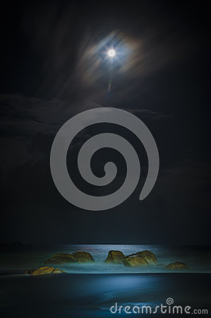 Free Beach Under The Moon Light Stock Photography - 47758232