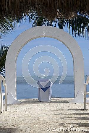 Free Beach Wedding Altar Stock Photography - 2563462