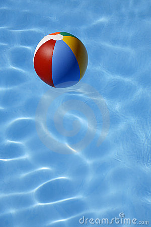 Free Beachball In Water Stock Images - 2593964