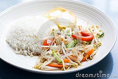Beansprout met garnalen