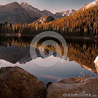 Free Bear Lake Royalty Free Stock Images - 12891879
