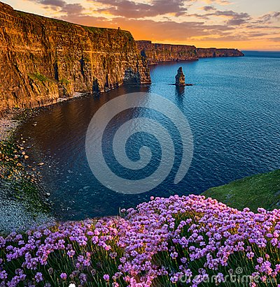 Free Beatiful Sunset From The Cliffs Of Moher In County Clare, Ireland Royalty Free Stock Images - 99440189