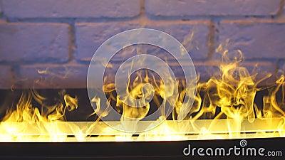 Beauté du feu Maison moderne Incendie flamboyant banque de vidéos