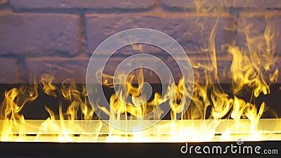 Beauté du feu Maison moderne Incendie flamboyant clips vidéos