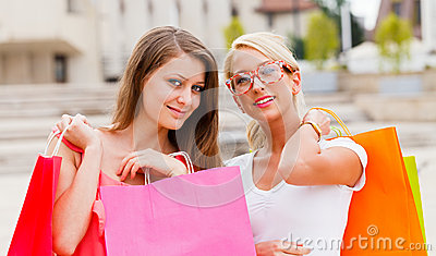 Beauties in the City Shopping
