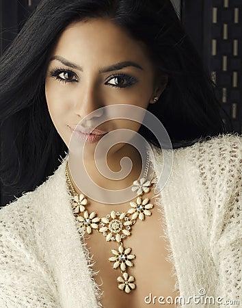 Free Beautiful African American Model Smiling Turning Head Stock Photo - 58717380