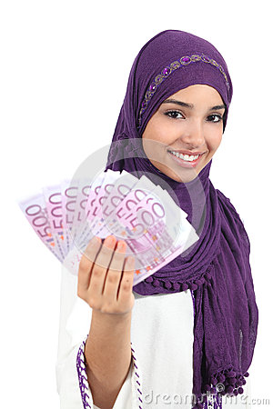 Free Beautiful Arab Woman Holding And Showing Money Royalty Free Stock Image - 34049136