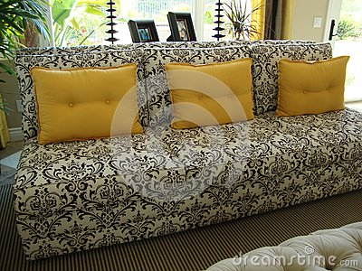 Beautiful Black and White Couch/Sofa