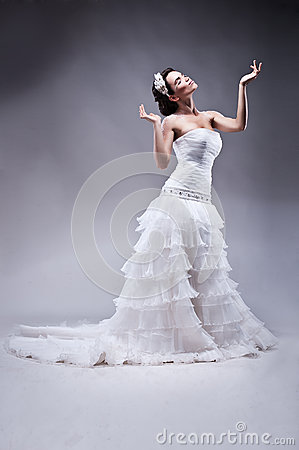 Beautiful bride in long wedding dress
