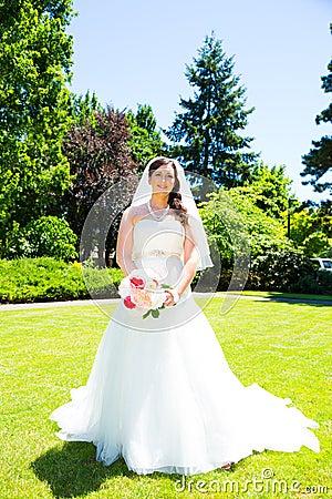 Free Beautiful Bride Portraits Outdoors Royalty Free Stock Photos - 32308568