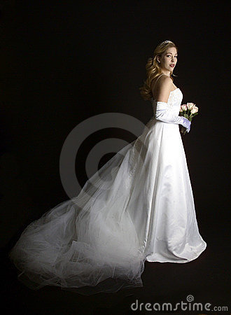 Beautiful bride with rose bouquet