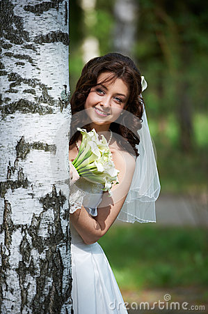Free Beautiful Bride With Bouquet Stock Image - 26305761