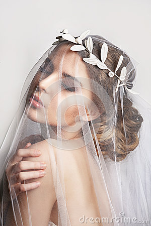 Free Beautiful Bride With Fashion Wedding Hairstyle - On White Background.Closeup Portrait Of Young Gorgeous Bride. Stock Photography - 84549642