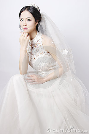 White Dress Bridal Makeup : Beautiful Bride Stock Photo - Image: 52334378