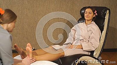 service massagesalon brunette in Tilburg