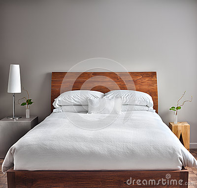 Free Beautiful Clean And Modern Bedroom Stock Photos - 38588783