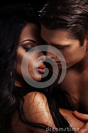 Free Beautiful Couple Kissing. Royalty Free Stock Images - 48801969