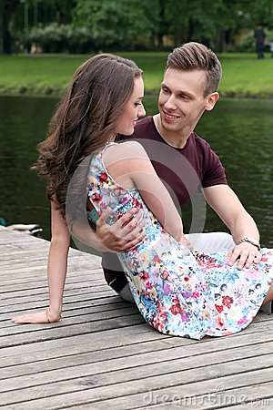 http://thumbs.dreamstime.com/x/beautiful-couple-park-cute-young-43073303.jpg