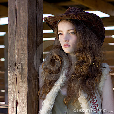 Free Beautiful Cowgirl In Hat  Portrait Royalty Free Stock Photos - 15861178