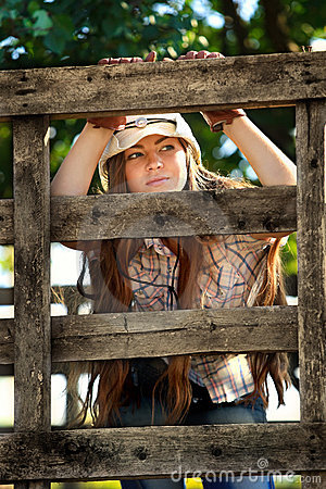 Free Beautiful Cowgirl In Stetson Royalty Free Stock Photography - 22502347